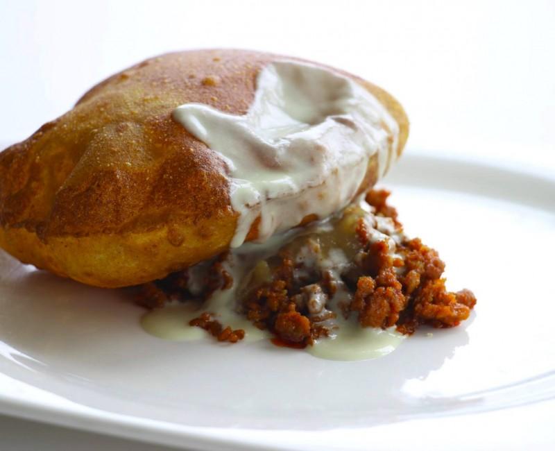 Torto, picadillo, cabrales y compota de manzana